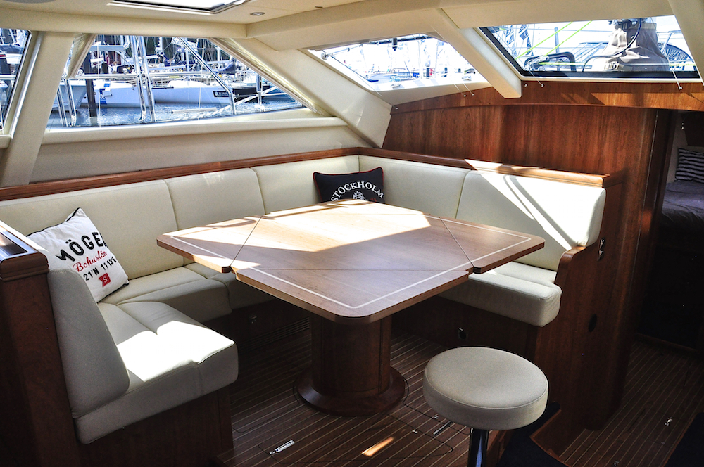 Saloon, Discovery 55 | Cruising Attitude Sailing Blog - Discovery 55