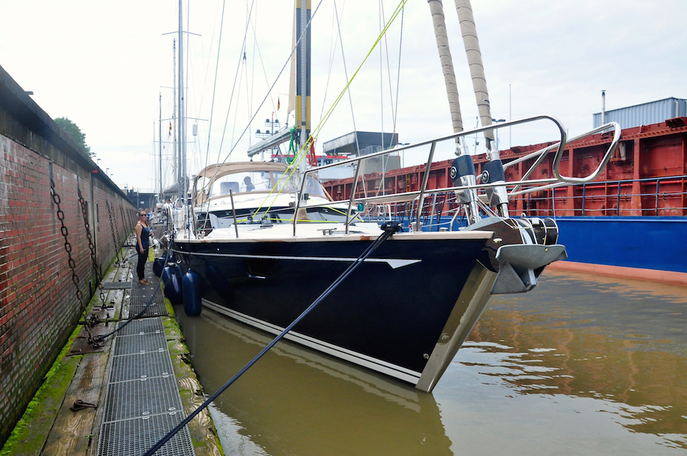 Kiel canal Brunsbüttel | Cruising Attitude Sailing Blog - Discovery 55