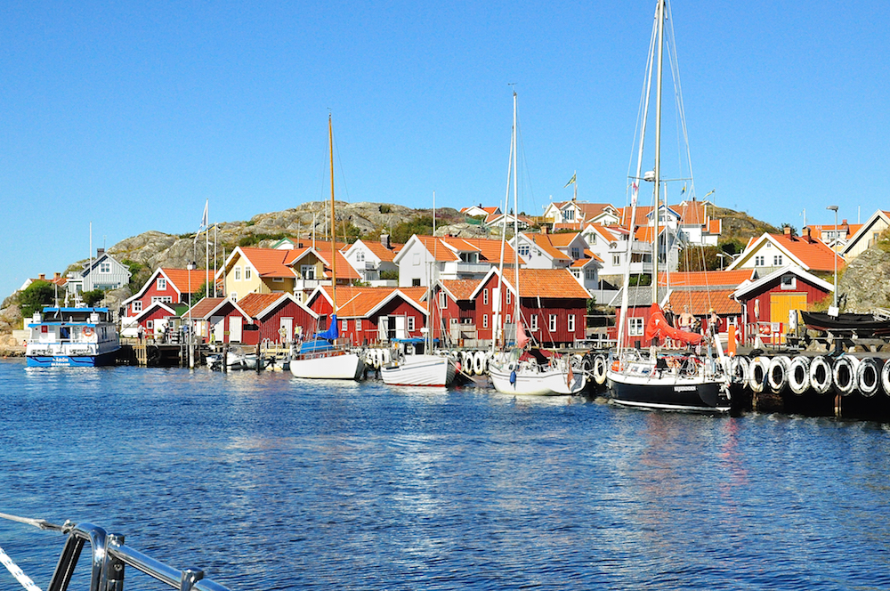 Sailing through Kyrkesund | Cruising Attitude Sailing Blog - Discovery 55